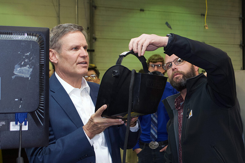 Gov. Lee and virtual welder
